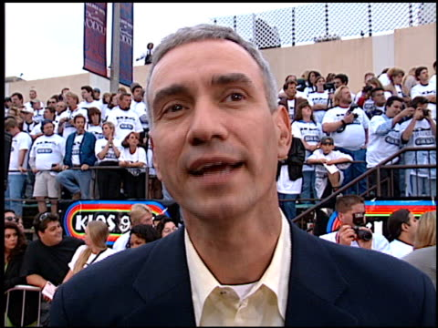 roland emmerich at the 'independence day' premiere on june 25, 1996. - 1996 stock videos & royalty-free footage