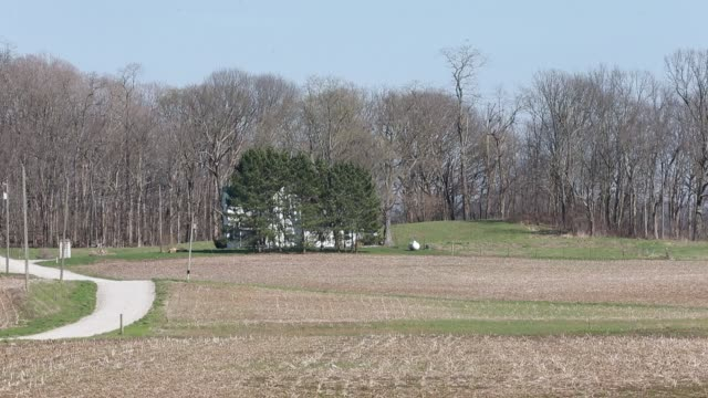vídeos de stock, filmes e b-roll de b roll of farmland surrounding the scene in rural indiana near gosport indiana where the body of shaylyn ammerman was found kyle parker was arrested... - b roll