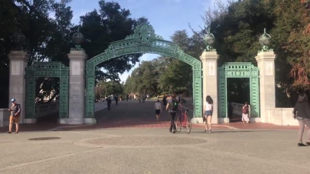 vidéos et rushes de roll shots of uc berkeley campus - b roll