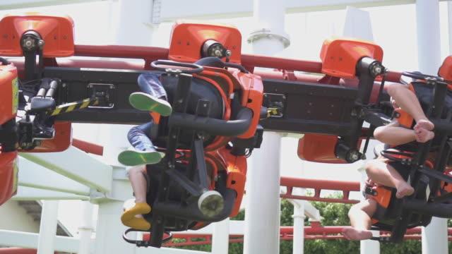 stockvideo's en b-roll-footage met achtbaan, slow motion - attractiepark