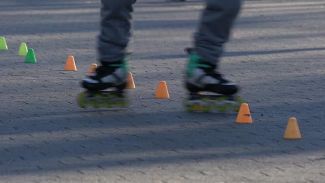Patins com rodas de slalom