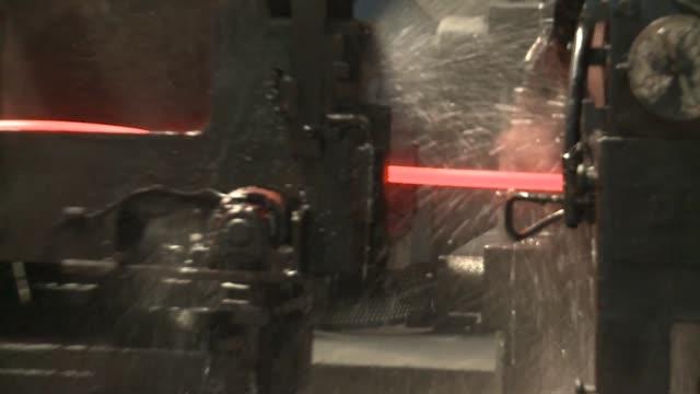 vídeos y material grabado en eventos de stock de rolling mill in steelworks - número 10