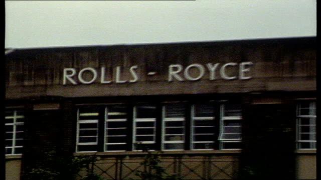 rolls royce bribes; england: derby: gv rolls royce factory - ロールスロイス点の映像素材/bロール