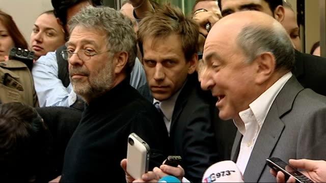 roman abramovich wins legal battle against boris berezovsky boris berezovsky speaking to press outside court sot i am absolutely amazed about what... - 実業家 ボリス・ベレゾフスキー点の映像素材/bロール