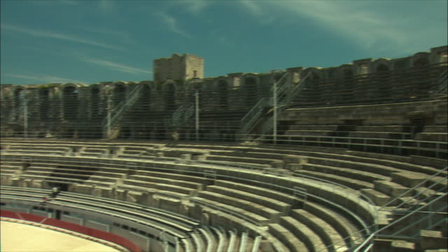 ws pan roman amphitheater / arles, provence, france - amphitheatre stock videos & royalty-free footage