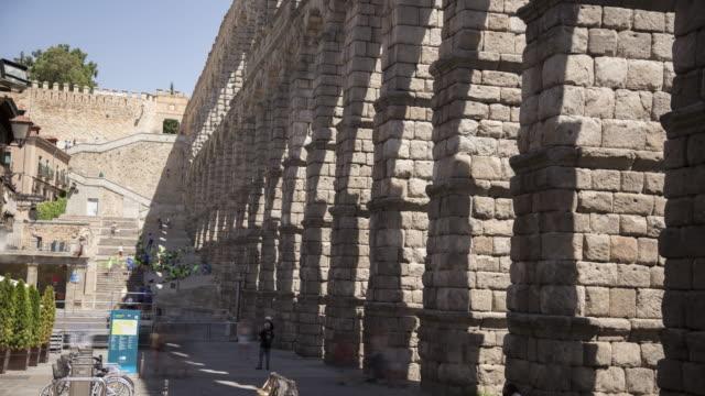 roman aqueduct 2  (unesco world heritage site) - pueblo bonito stock videos & royalty-free footage