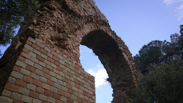 roman aqueduct in france - arch stock videos & royalty-free footage