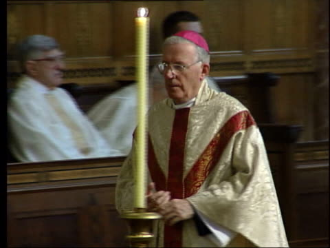 roman catholic priest jailed again; lib england: london: int cardinal cormac murphy-o'connor in church gv congregation cardinal cormac... - cormac murphy o'connor stock videos & royalty-free footage