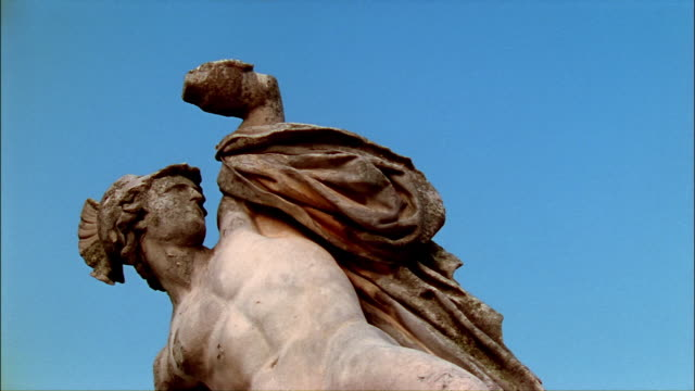la, cu, roman soldier statue, tuileries garden, paris, france - roman soldier stock videos and b-roll footage