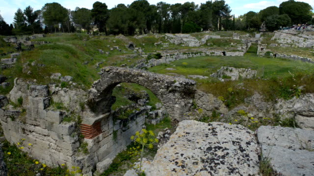 vídeos de stock, filmes e b-roll de teatro romano, sicília - teatro clássico