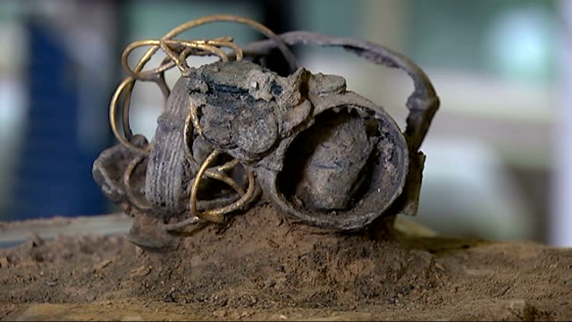 roman treasure hoard found beneath colchester deparment store; england: essex: colchester: int jewellery from ancient treasure hoard discovered... - discovery stock videos & royalty-free footage