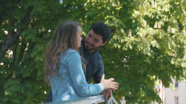 romantic date in paris (slow motion) - baciare video stock e b–roll