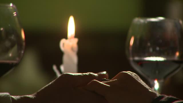 hd :ロマンチックな日 - お食事デート点の映像素材/bロール