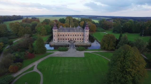Romantic: Landing in front of amazing castle in denmark