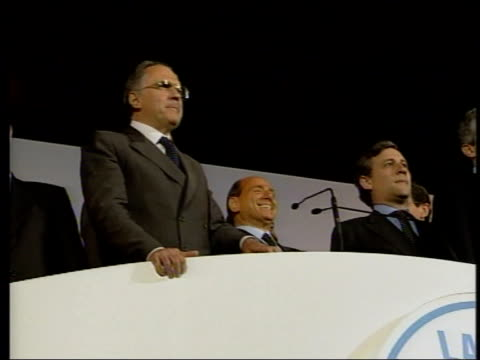 rome ext la cms silvio berlusconi singing during election rally zoom - 2001 stock-videos und b-roll-filmmaterial