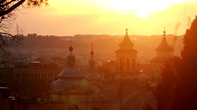 Roma da Gianicolo collina in una calda estate tramonto