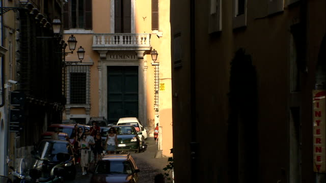 general views of campo dei fiori / trevi fountain / spanish steps / coliseum / jewish ghetto more various of buildings jewish quarter roman ghetto as... - ghetto video stock e b–roll