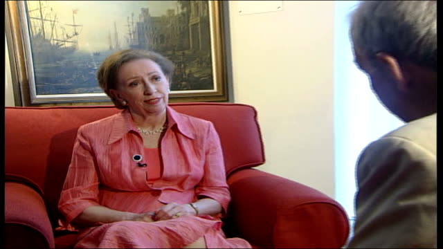 rome int margaret beckett interview sot the really important thing about this meeting was it showed up common ground / everyone understands we have... - ceasefire stock videos and b-roll footage