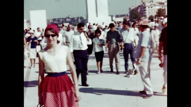 1960 rome olympics opening ceremony - オリンピック大会点の映像素材/bロール