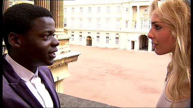 romeo and juliet musical to be performed at buckingham palace ext tamsin egerton and daniel kaluuya rehearsing balcony scene from romeo and juliet... - daniel kaluuya stock videos and b-roll footage