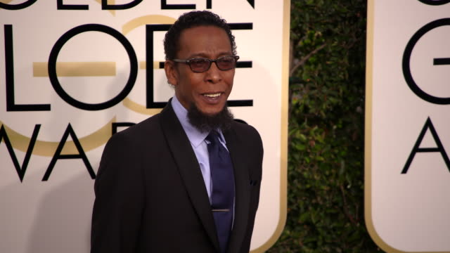 ron cephas jones at 74th annual golden globe awards - arrivals at the beverly hilton hotel on january 08, 2017 in beverly hills, california. 4k... - the beverly hilton hotel stock videos & royalty-free footage