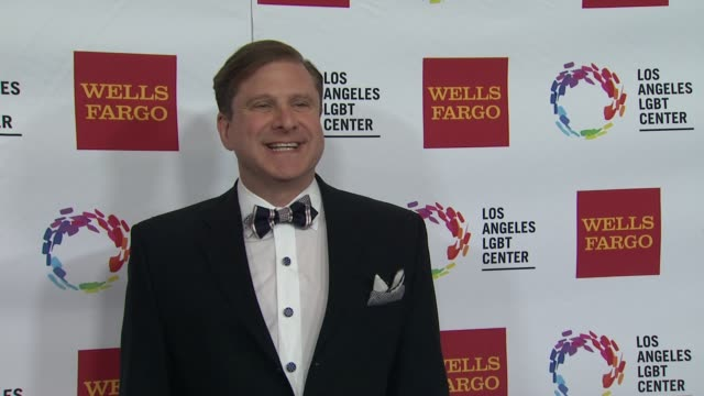stockvideo's en b-roll-footage met ron galperin at los angeles lgbt center 46th anniversary gala vanguard awards at the hyatt regency century plaza on november 07 2015 in los angeles... - anniversary gala vanguard awards