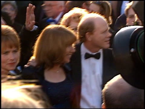 vídeos de stock, filmes e b-roll de ron howard at the 1996 academy awards arrivals at the shrine auditorium in los angeles california on march 25 1996 - 1996
