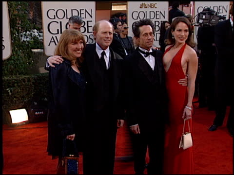 vídeos de stock, filmes e b-roll de ron howard at the 2002 golden globe awards at the beverly hilton in beverly hills california on january 20 2002 - ron howard