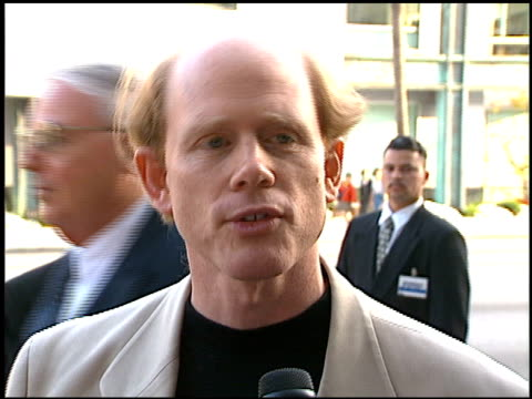 vídeos de stock, filmes e b-roll de ron howard at the 'apollo 13' premiere at academy theater in beverly hills california on june 22 1995 - ron howard