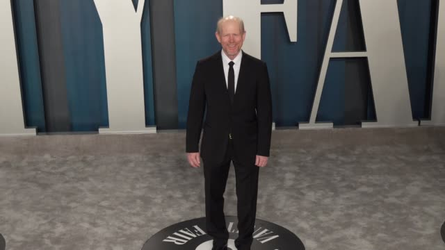 ron howard at vanity fair oscar party at wallis annenberg center for the performing arts on february 09, 2020 in beverly hills, california. - oscar party点の映像素材/bロール