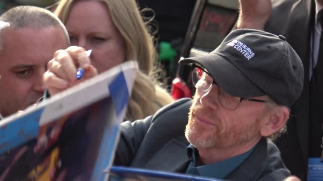 ron howard greets fans outside solo a star wars story premiere at el capitan theatre in hollywood in celebrity sightings in los angeles - film premiere stock videos & royalty-free footage