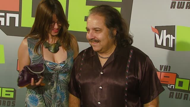 ron jeremy at the vh1 big in '06 at sony studios in culver city, california on december 2, 2006. - vh1ビッグインアワード点の映像素材/bロール