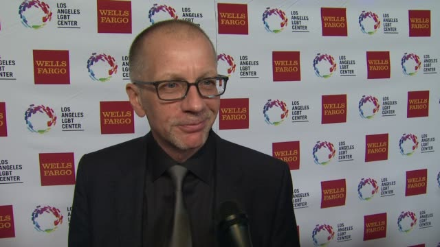 stockvideo's en b-roll-footage met interview ron nyswaner on the event at los angeles lgbt center 46th anniversary gala vanguard awards at the hyatt regency century plaza on november... - anniversary gala vanguard awards
