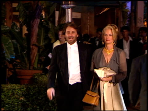 vídeos y material grabado en eventos de stock de ron silver at the 1999 academy awards vanity fair party at morton's in west hollywood california on march 21 1999 - 71ª ceremonia de entrega de los óscars