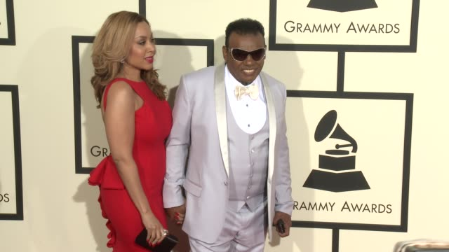 stockvideo's en b-roll-footage met ronald isley at the 58th annual grammy awards® arrivals at staples center on february 15 2016 in los angeles california - 58e grammy awards