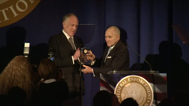ronald lauder and raymond kelly at ambassador ronald s. lauder receives lifetime achievement award at the federal enforcement homeland security... - 生涯功労賞点の映像素材/bロール