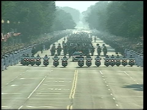 ronald reagan lying in state:; pool gv procession of military personnel and brass band escorting reagan's coffin to capitol building where it will... - horsedrawn stock videos & royalty-free footage