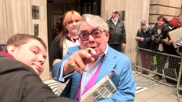 ronnie corbett at celebrity video sightings at bbc radio on october 20 2013 in london england - ronnie corbett stock videos and b-roll footage