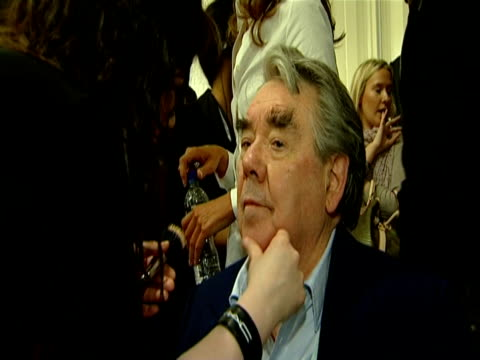 ronnie corbett at the naomi campbell's fashion for relief_haiti london2010_backstage front row at london england - ronnie corbett stock videos & royalty-free footage