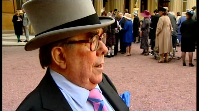ronnie corbett awarded cbe corbett interview sot - ronnie corbett stock videos and b-roll footage