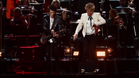 ronnie wood and rod stewart of the faces perform during the brit awards 2020 at the o2 arena on february 18, 2020 in london, england. - rod stewart stock-videos und b-roll-filmmaterial