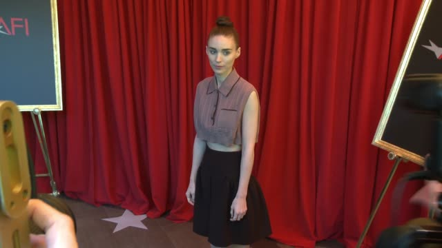 vídeos de stock, filmes e b-roll de rooney mara at the 16th annual afi awards at the four seasons hotel los angeles at beverly hills on january 08 2016 in los angeles california - rooney mara
