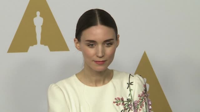 vídeos de stock, filmes e b-roll de rooney mara at the 88th annual oscars® nominees luncheon at the beverly hilton hotel on february 08 2016 in beverly hills california - rooney mara