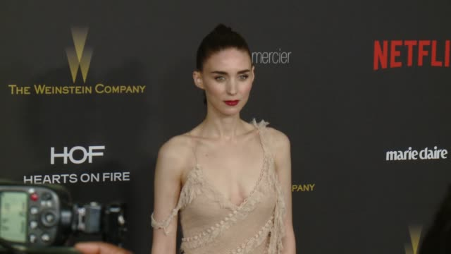 vídeos de stock, filmes e b-roll de rooney mara at the tiny prints gratitude lounge arrivals at the weinstein company netflix 2016 golden globes after party at robinsons may lot on... - rooney mara