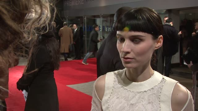 rooney mara on working with david fincher the role affecting her at the girl with the dragon tattoo world premiere at odeon leicester square on... - the girl with the dragon tattoo stock videos and b-roll footage
