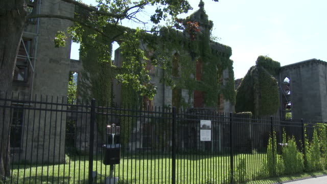 Roosevelt Island Abandoned Smallpox Hospital (Renwick Smallpox Hospital)