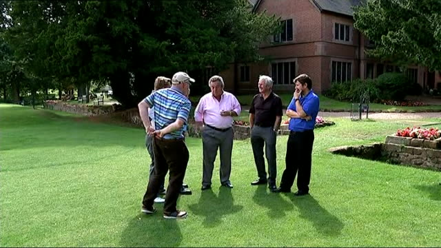 rory mcilroy wins us pga championship england warwickshire coventry gvs tony jacklin chatting with unidentified men tony jacklin interview sot every... - open stock-videos und b-roll-filmmaterial