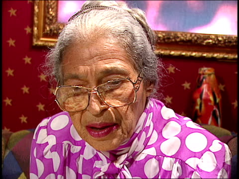 rosa parks discussing the future of racism - 社会史点の映像素材/bロール