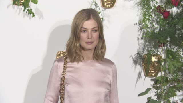 rosamund pike at bafta breakthrough brits reception at burberry on october 25 2016 in london england - rosamund pike stock videos & royalty-free footage