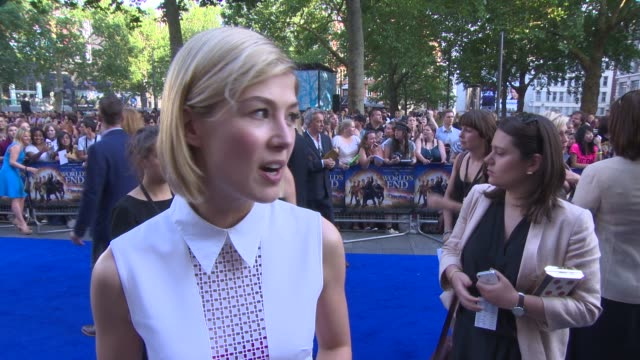 interview rosamund pike on being on a male set working with the cast her character life outside of acting at 'the world's end' world premiere at... - rosamund pike stock videos & royalty-free footage